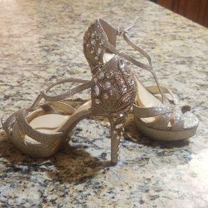 Gianni Bini jeweled special occasion heel.6M